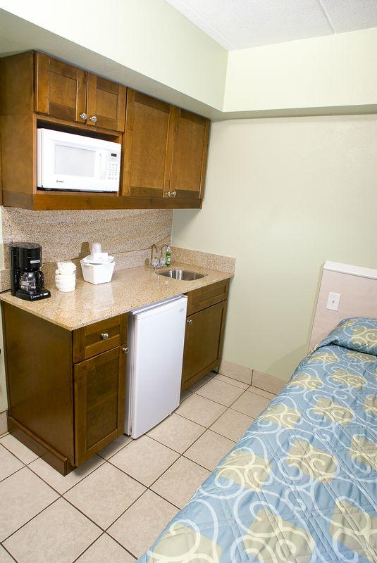 schooner inn kitchenette